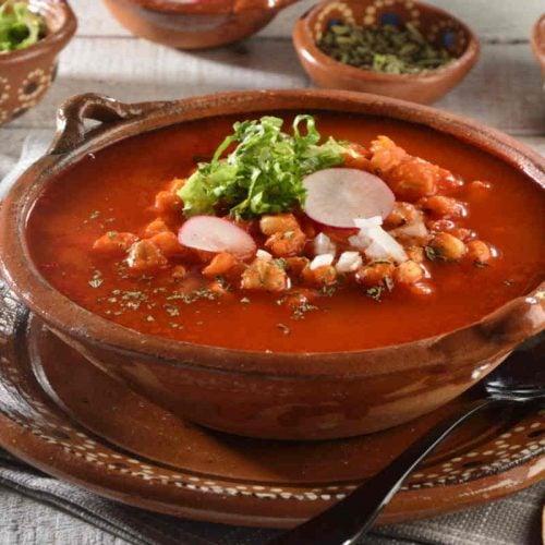 Pozole rojo, receta clásica de México